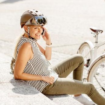 casco fietshelm met vizier kopen voor heren dames en fietshelm voor brildragers